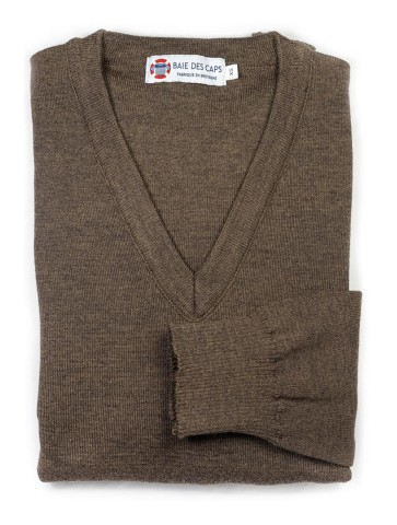 Pull col V HELICE marron - 50% laine coupe confort