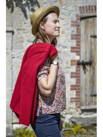 Veste zippée rouge en pure laine coupe ajustée